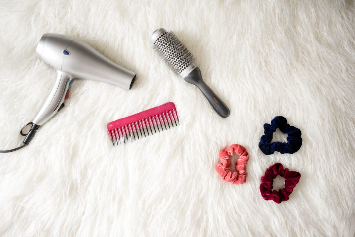 10 Essentials Tools for Curly Hair Gals